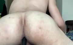 Slut with big ass ride a big toy until he comes :)