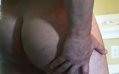 British muscle sprays jizz after wanking