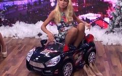 Upskirt on TV Schwul / Spa&szlig_