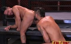 Meaty guy wreaking havoc on tight gay anus