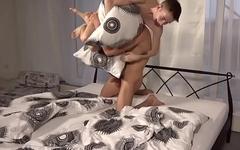 boys pillow fight