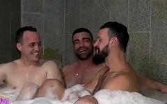 #SUITE 69 - No banho com Wagner Vittoria e Andy Onassis bate papo sobre o sobre sexo - Parte 2