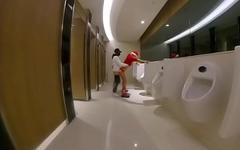 Fun in Toilet Christmas圣诞公厕野战